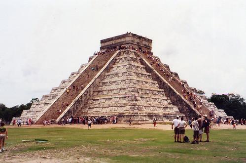 La destrucción del pueblo maya