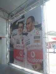 23.Alonso跟Hamilton玩自拍