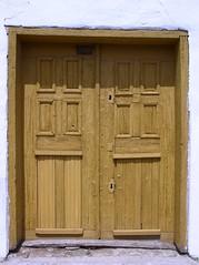 Palkonya 6 (.e.e.e.) Tags: door building architecture hungary village vine olympus vineyards cellars baranya