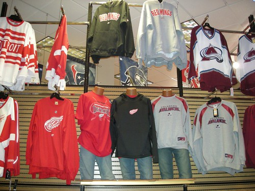 Avs - Wings Display