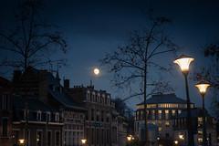 """""""Des lumières pour éclairer la nuit"""" / Lamps to lighten the night (Gilderic Photography) Tags: liege belgium belgique belgie moon evening night lights lamp building city canon g7x gilderic"""