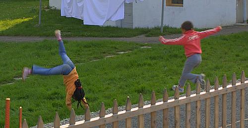 Cartwheels an' jumps