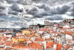 Alfama in Lisbon / Alfama en Lisboa