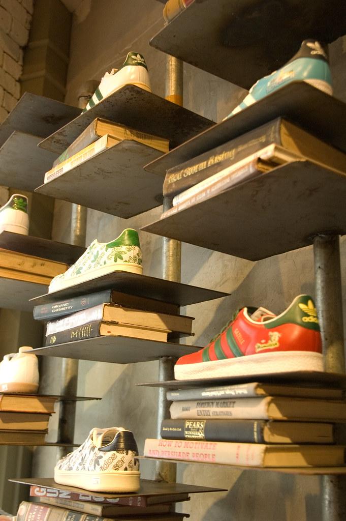 Bangkok - Shoe rack
