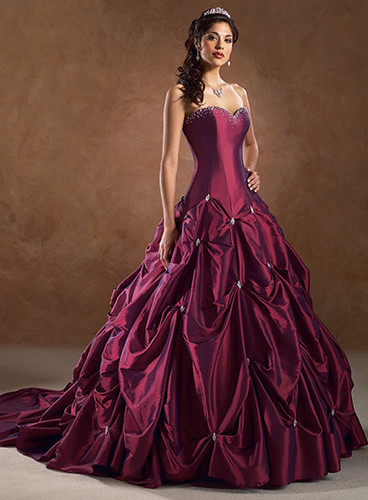 red wedding dress looks luxurious