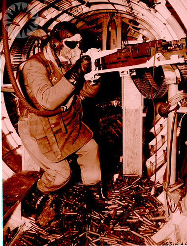 BOEING B-17 FLYING FORTRESS, ARMAMENT, WAIST GUNNER | Flickr ...
