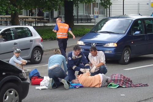 Знаем ли как да помогнем на пострадалите в катастрофа?