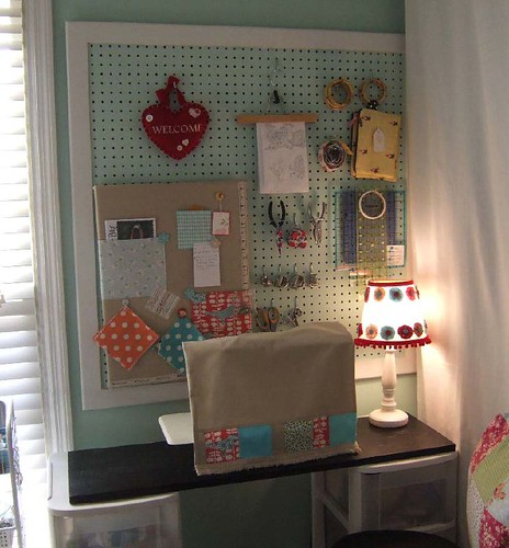 sewing corner 07 by creativelittledaisy.