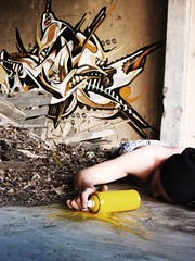 Till death (_TheTeethProject) Tags: white yellow trash graffiti gelb weiss mll spraycan liegend sprhdose tilldeath biserama