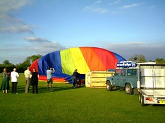 IMAG0194 (yxxxx2003) Tags: new blue red hot green air baloon ballon balloon milton keynes mk yello 2007 balon olney hotairballon yxxxx