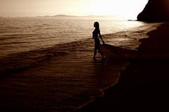 Edna y el espritu de Alfonsina (Memo Vasquez) Tags: sea beach silhouette sonora mxico lafotodelasemana mar kino playa edna alfonsina alfonsinastorni memovasquez bahadekino superhearts excellentphotographerawards ednayelespritudealfonsina lfs062007 doublyniceshot mygearandme mygearandmepremium mygearandmebronze mygearandmesilver mygearandmegold