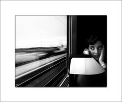 El cha-ca-cha del tren (Gallo Quirico) Tags: portrait blancoynegro train tren retrato olympus ave maría e500 1445mm bnganadores bn052008 bn112009