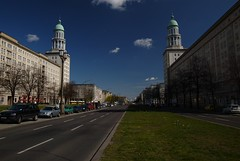 Karl-Marx-Allee in Ost-Berlin