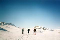 Hardangervidda (mm-j) Tags: sun mountain snow ski film norway contax hut t2 skitour hutte hardangervidda huttohut scanfromprints