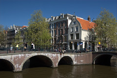 07B_5776.NEF (Enrico Webers) Tags: street city streets holland netherlands amsterdam canal spring cityscape nederland canals nl mokum ams 2007 200704
