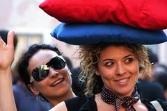 Facce da guerriere (*Clorofilla*) Tags: roma fight trastevere pillow fighters lotta pillowfight cuscini lottatori