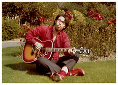 Humming Bloke in Clogs! (60s)