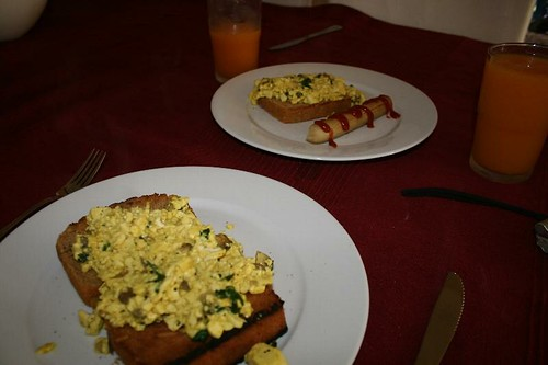 Scrambled tofu on gluten-free toast