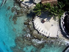 Hotel Novotel Beach Club *** on the atoll of Rangiroa - Seen from a kite (Pierre Lesage) Tags: blue coral lagoon aerial tahiti kap rangiroa rokaku tuamotu south photography french kite pacific polynesia pierre lesage