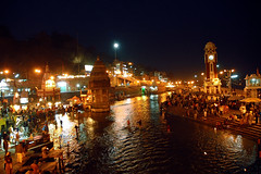 Holy river Ganges in the Night, Haridwar (~FreeBirD~) Tags: nikonstunninggallery nikon d70 d 70 india land culture nightshot ganges river haridwar uttranchal crowd people harmony re