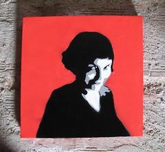 le Fabuleux dessin d' Amélie Poulain - Stencil art by KrieBeL (_Kriebel_) Tags: street red art rouge graffiti stencil belgique canvas kris destin belgica stencilart amélie poulain schablone kriebel fabuleux blomme streetartbelgium belgiën kriebelized