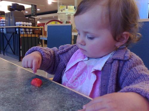 Aardbeien eten