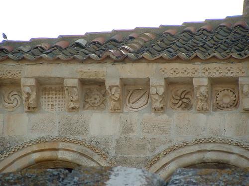 Iglesia parroquial - Canecillos 2