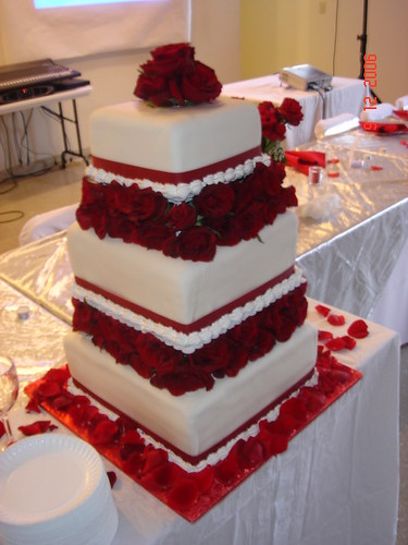 Square wedding cakes best pictures gallery square tiered wedding cake