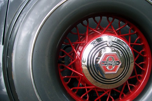 pierce arrow hubcap