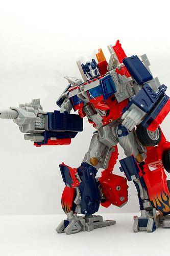 Juguete de Optimus Prime caminando