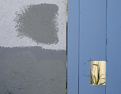 wall fragments (fotogail) Tags: sanfrancisco street blue urban wall composition 1025fav wow square grey squares gray uma fv5 bernalheights popular bernal splitscreen fotogail top2005 sfchronicle96hours your300pre2006favesthanks