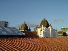 Anglų lietuvių žodynas. Žodis roofs reiškia stogai lietuviškai.