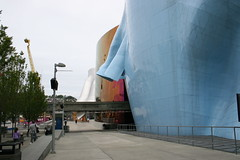 IMG_3522 (mhuang) Tags: seattle lenstagged canonefs1855 discoverycenter architecture gehry