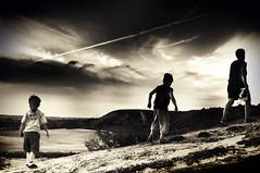 return (cenz) Tags: uk england sky boys water june downs walking landscape three chalk fantastic natural beds w bedfordshire calvin myboys littlepeople bushes dunstable clouded cenz dunstabledowns vincey bedfordhire