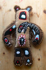 Fuzzy Bear Totem (Lizette Greco) Tags: bear sun design teddy fuzzy recycled drawings totem teddybear enzo orca sophia greco stylist lizette schmancy plushyou lizettegreco beartotem bunnybear feltclub grecolaborativo