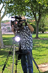 NBC News Cameraman (Shavar Ross) Tags: 2005 park camera news hot television canon nbc 50mm tv july2005 parks photojournalism sunny location videocamera anchor journalism journalist cameraman reporting newsreporter localnews newsanchor standardlens televisionstation tvanchor shavarrosscom