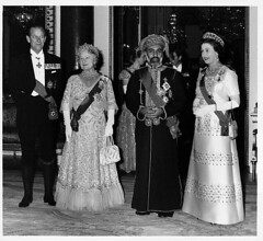 England (Paradise Babe) Tags: adults arabs banquet blackandwhitephotography british buckinghampalace celebration clothing customsandcelebrations danes dresses elderly elizabethiiqueenofgreatbritainandnorthernireland elizabethqueenmother england english europe europeans eveninggowns females formalwear fulllengthportraits gowns group innerlondon london males middleeasterners omanis people philipdukeofedinburgh photography portraits prominentpersons qaboosbinsaidsultanofoman royalty scandinavians senioradult socialevent sultan sultanateofoman uk westminster whites