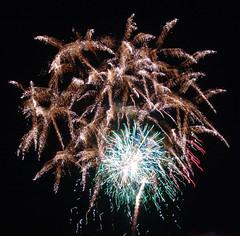 werks_sizzle (sillydog) Tags: minnesota 2005 maplewood ramseycountyfair fireworks fair explosives rainbow midway 10up3 longexposure july calendar