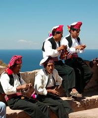 Isla Taquile - Lake Titicaca (Apparat-chik) Tags: titicaca knitting