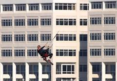 Window Washer (mhawkins) Tags: kite surfing kitesurfing kiteboarding