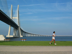 Running (roomman) Tags: 2005 bridge portugal sports sport topv111 architecture river magazine lisboa lisbon july running run link runners 1998 runner tejo 1990s 90s linked vascodagama betasway wwwendorphinumdebetasway