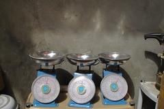 Scales (Ti.mo) Tags: dubai uae unitedarabemirates travel travelling scales weighing shop reflection three market