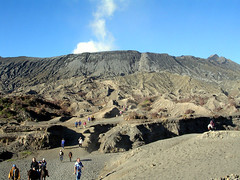 Bromo (elbisreverri) Tags: travel 2004 indonesia geotagged volcano java asia southeastasia coolpix bromo mountbromo gunungbromo geolat7935507 geolon11295413