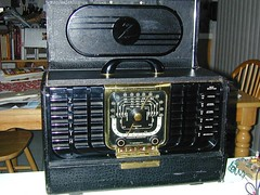 Repaired Zenith 8G005 Trans-Oceanic (wybnormal) Tags: radio antique tube zenith transoceanic 8g005