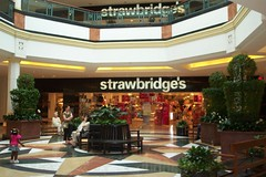 kop_39 (Mitch Glaser) Tags: buildings shoppingcenters malls kingofprussia philadelphia plazaatkingofprussia departmentstores strawbridges signs