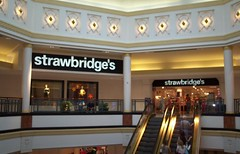 kop_49 (Mitch Glaser) Tags: buildings shoppingcenters malls kingofprussia philadelphia plazaatkingofprussia departmentstores strawbridges signs