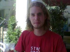 Follow me... (sjon) Tags: guy cafe gorgeous aircafe vitanse