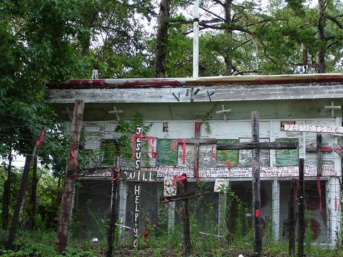 Religious Folk Art - William C. Rice Cross Garden 8 in Prattville AL