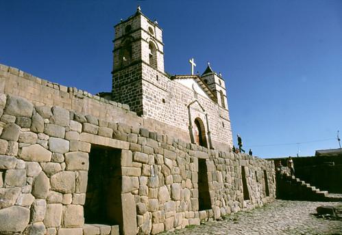 Templo de Piedra por Explorando Perú.