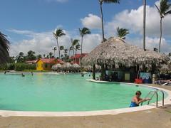nuestra piscina (calaturqueta) Tags: punta cana princess 2005
